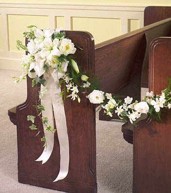White Church Pew Flowers At Phillip 39 S Flowers Chicago Wedding Flowers